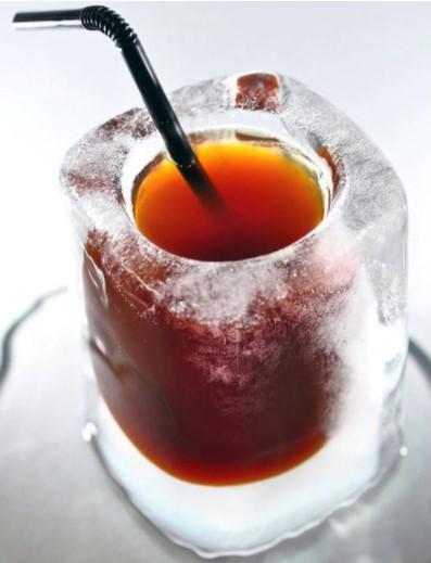 Рюмка из льда